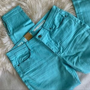 NWT DKNY Jeans Size 6 Aqua